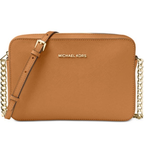 5dd980bc15ffad Michael Kors Jet Set Travel Large Crossbody Acorn.  M_5a8b843a3800c5f610b1b1de
